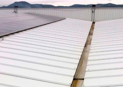 Manteniment de la coberta d'una nau industrial, Palafrugell