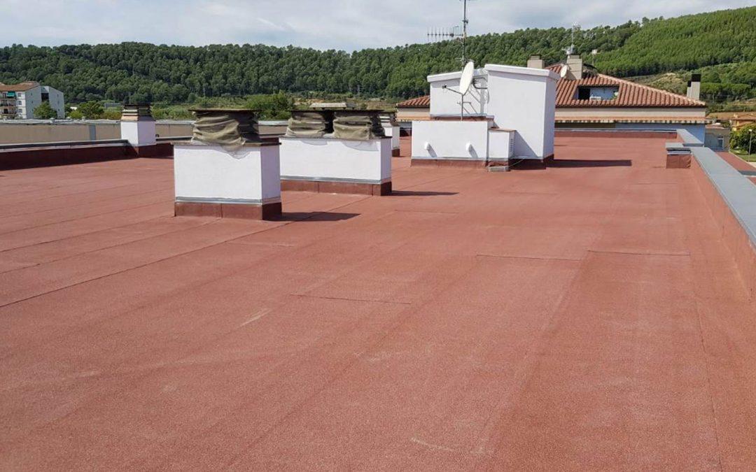 Impermeabilització i rehabilitació de coberta d'edifici d'habitatges, Sant Julià de Ramis