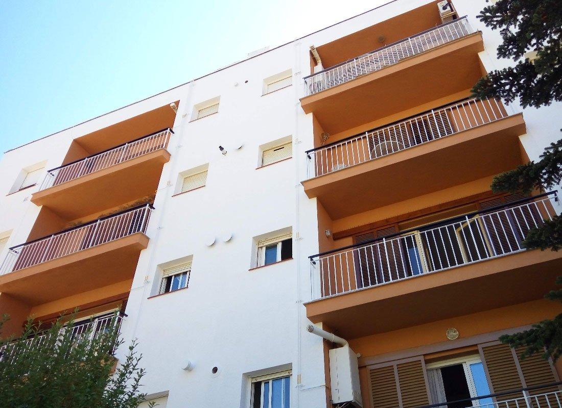 QPARADIS_rehabilitacio_façana_balcon_edifici_Tossa_de_Mar_5