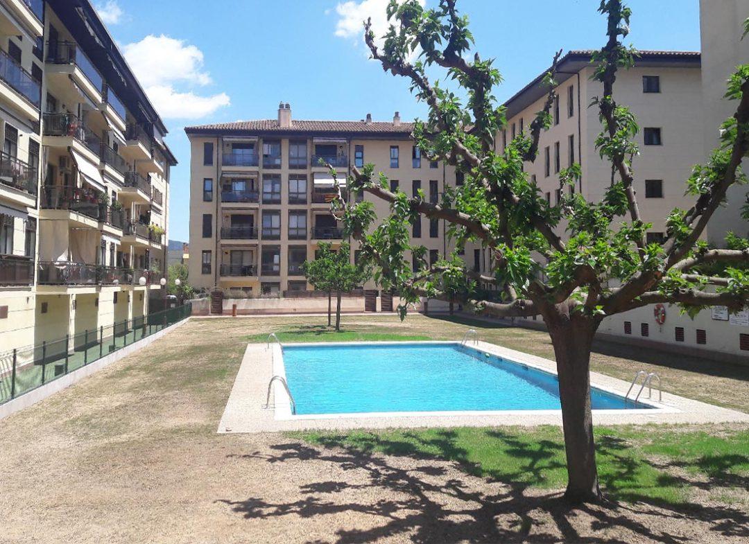 Rehabilitació murs perimetrals zona comunitària edifici plurifamiliar, Girona